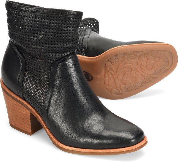 Pair shot image of the Chantey shoe