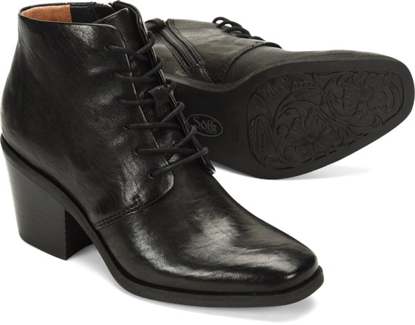 Pair shot image of the Corlea shoe