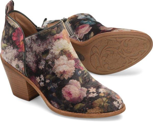 Pair shot image of the Tamela shoe