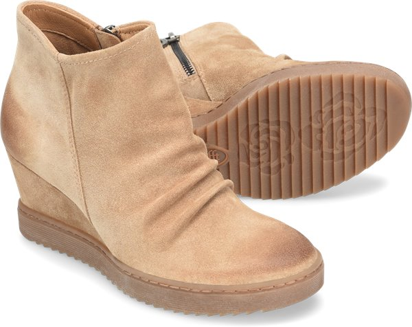 Pair shot image of the Siri shoe
