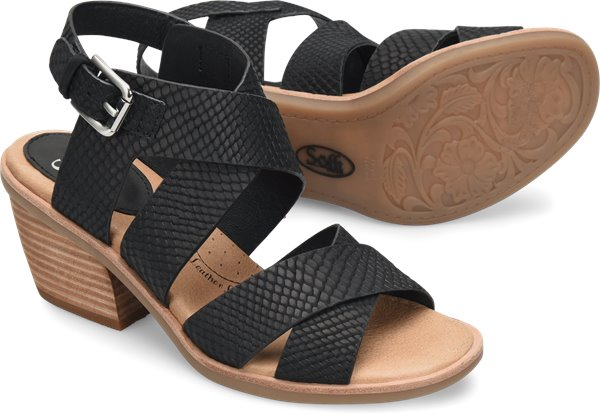 Pair shot image of the Pesha shoe
