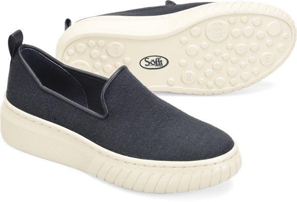 Pair shot image of the Pavina shoe