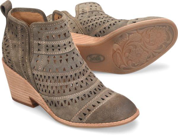 Pair shot image of the Sallie shoe
