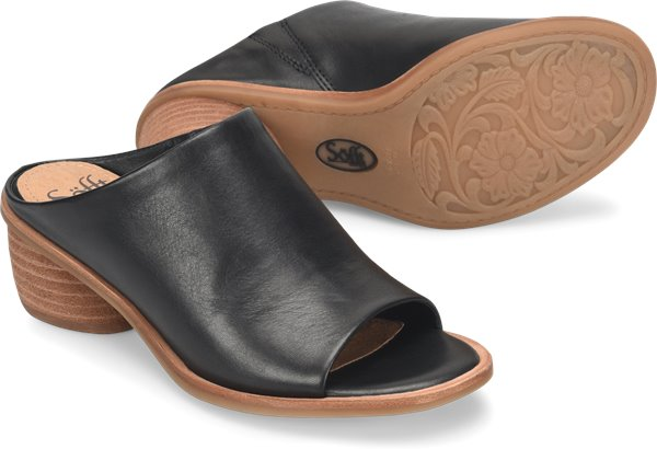 Pair shot image of the Carrey shoe