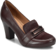 Shoe Color: Mahogany