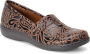 Style: Dark Brown Tooled
