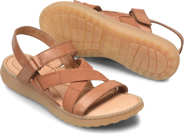 BORN Manta : Brown - Womens