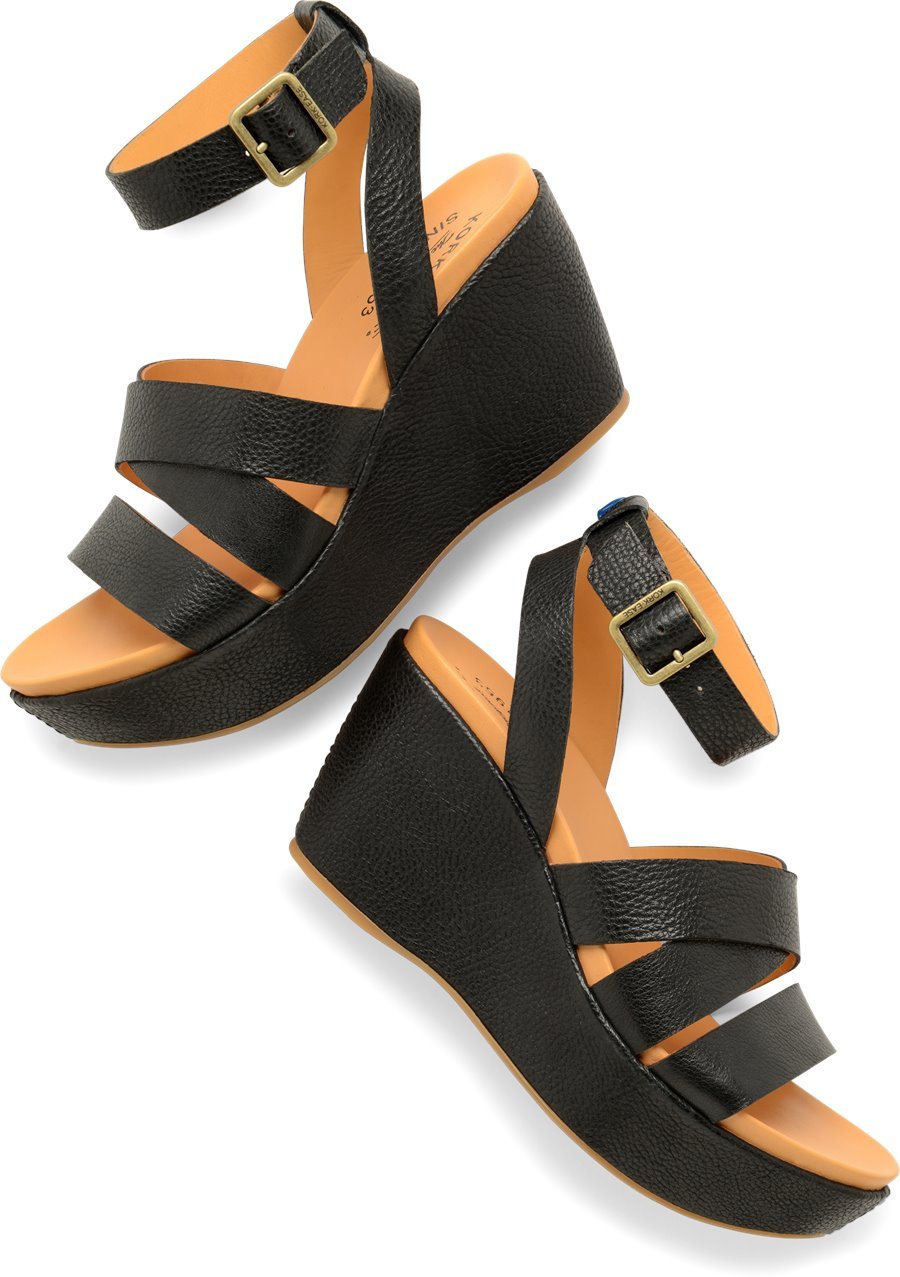 Korkease Amber : Black - Womens